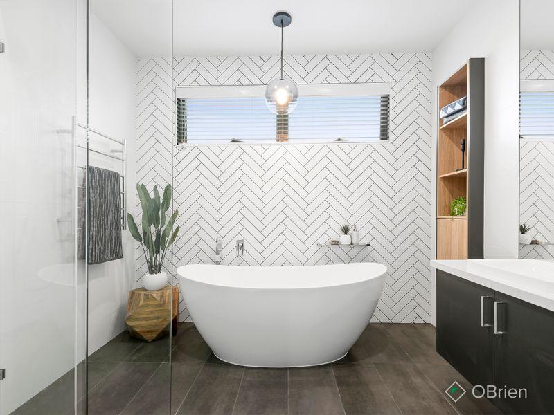 Bathroom 2 Mentone