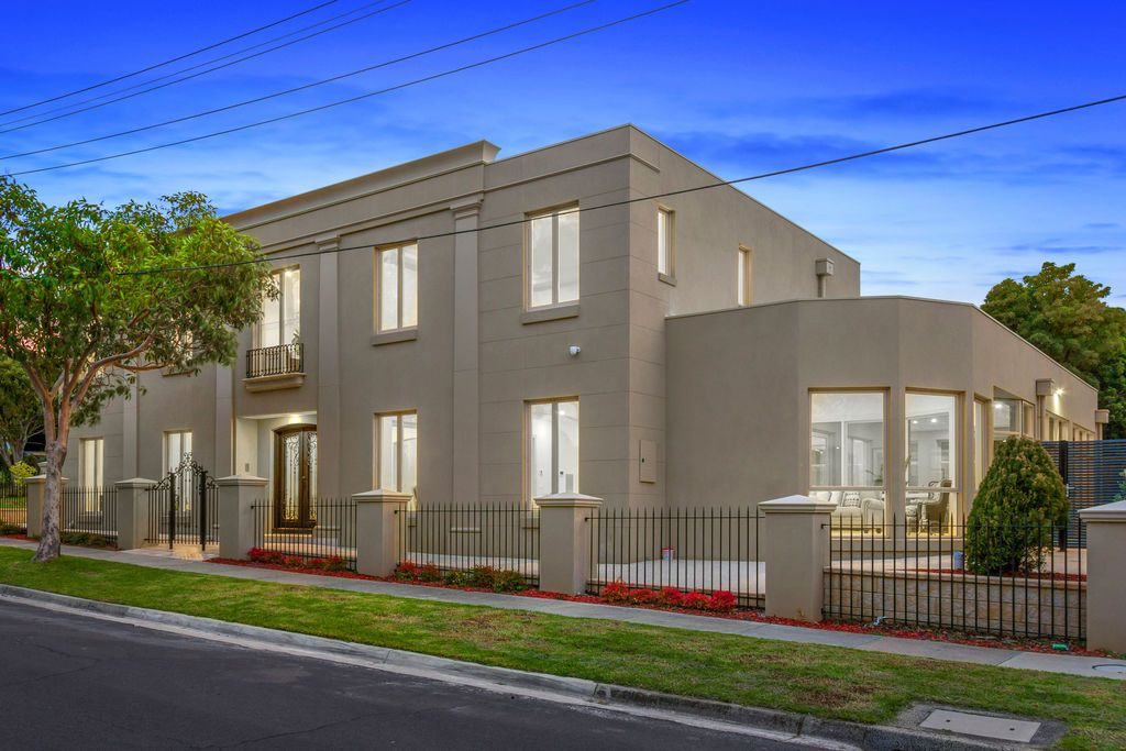 External Glen Waverley